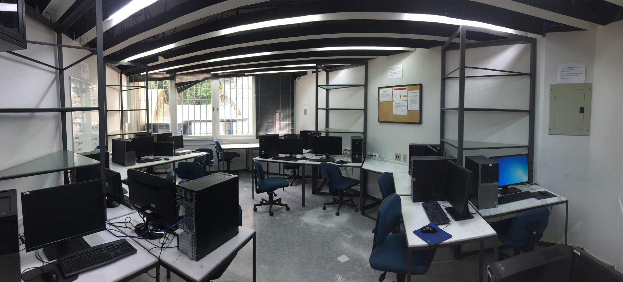 Advanced Computational Laboratory computer room.